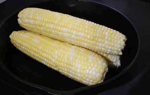 bi-colored corn, aka Peaches and Cream Corn