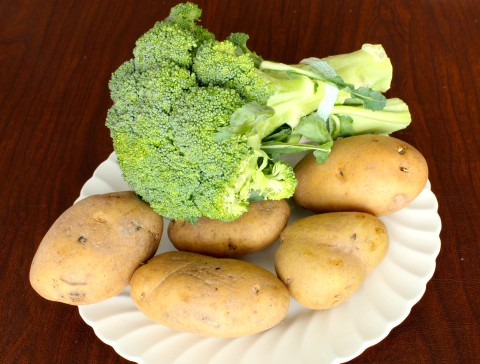 Use fresh potatoes and broccoli of good quality.