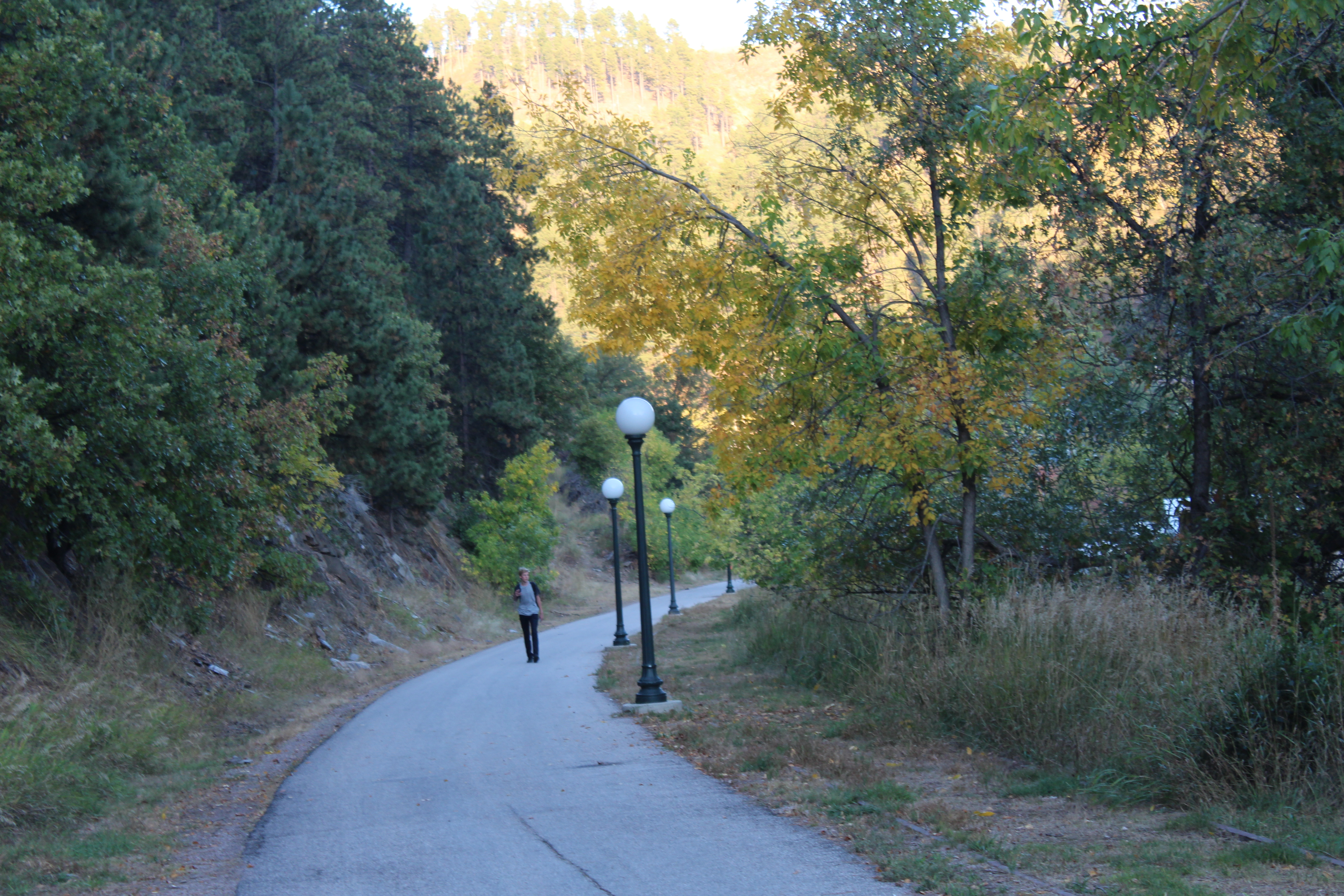 The creekside walkway into Deadwood.